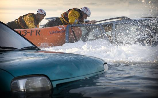 Vehicle rescue training at the RNLI college